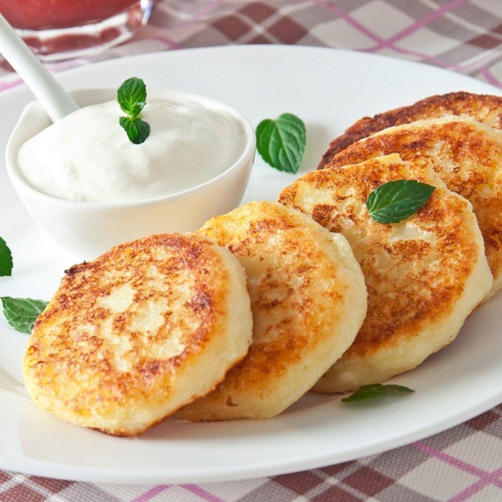 Рецепт пышных сырников из творога классические на сковороде пошагово