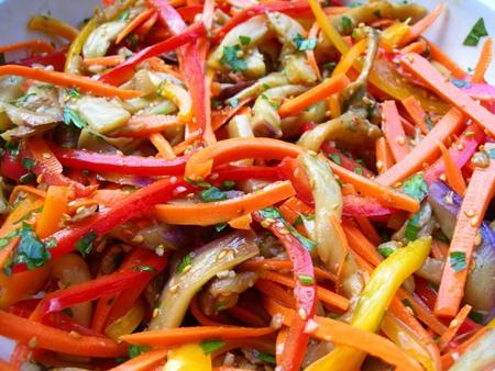 Маринованные баклажаны быстрого приготовления с чесноком и зеленью