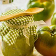 Салат из зеленых помидоров в банке на зиму